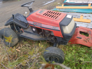 Tracteur avec pneu