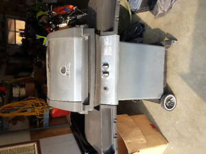 Broil king bbq  $60.00 with full propane tank