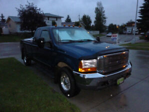 7.3 Turbo Diesel 2000 Ford F350  220K kms!  Great Condition!!