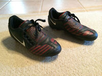 Nike Soccer Shoes - Size 3.5