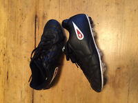 Brand New Mitre Soccer Shoes Mens: 7