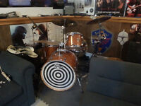 Drummer looking for musicians