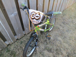 16 inch Boy's bike with training wheels for aged 4 to 7 years
