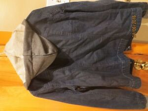 Guess Denim Jacket with hood West Island Greater Montréal image 4