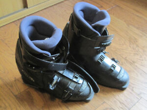 Women's ski boots for sale