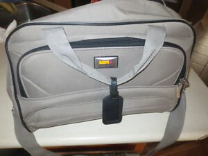 3 TRAVEL BAGS