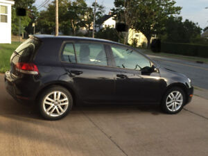 2010 VW Golf Trendline  Great Condition