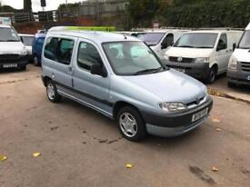 Peugeot Partner 1.9D Combi with disability ramp.