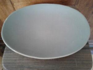 Beautiful artisanal grey plate. 33cm. New.