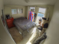 Furnished room Glenmore - Avail Dec1st