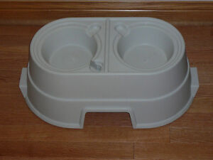 Elevated Double Dog Food Tray (20170201)