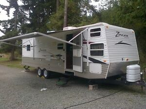 30 ft Zinger by Crossroads Travel Trailer
