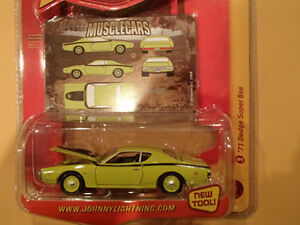 JOHNNY LIGHTNING - MUSCLE CARS - 1971 DODGE SUPER BEE X2 Sarnia Sarnia Area image 3