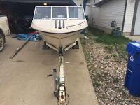 15' Sunray boat with 90hp outboard Johnson motor
