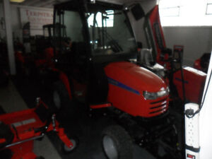 Compact tractor wBlower