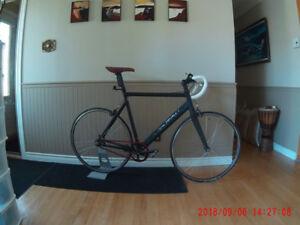 Vélo Aventon 58cm