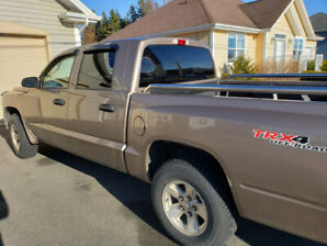 2009 Dodge Dakota Crew Cab 4x4 (Price Drop to $4000) OBO