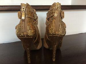 Guess Shoes, Size 6.5 Sarnia Sarnia Area image 3