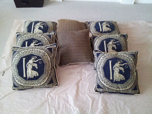 Set of 8 decorative accent pillows Brand new London Ontario image 2
