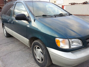 1998 TOYOTA SIENNA LE 1OWNER 1DRIVER NORUST SAFTIED REAR AC/HEAT
