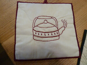 Hand made set of 2 hot pads embroidered with ivy and tea kettle Kingston Kingston Area image 4