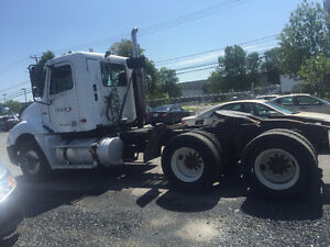 FREIGHTLINER COLUMBIA TRUCK FOR  SALE West Island Greater Montréal image 3