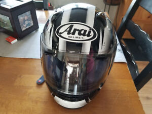 Casque Arai Profile Medium vtt, motoneige