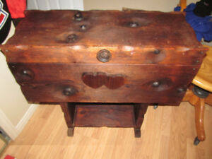 TABLE COFFRE ANTIQUE UNIQUE PIN TRUNK PINE