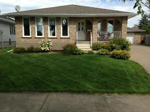 CENTRAL, MOVE-IN READY HOUSE IN THUNDER BAY