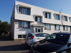 4 1/2 in Pierrefonds Sublet/ lease transfer available Oct 1st