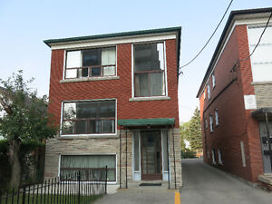 Bright and Spacious Apartment. Dufferin and Eglinton Area