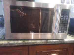 Convention Microwave oven for sale Kitchener / Waterloo Kitchener Area image 2