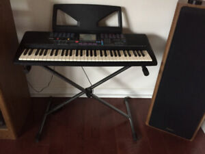 Yamaha PSR 220 Electronic  Keyboard