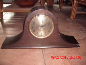 New Haven Elm City electric mantle (tambour) mahogany clock