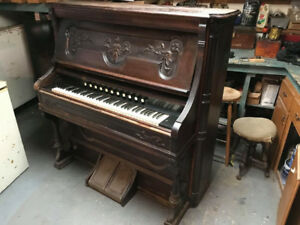 Free 19th Century Pump Organ