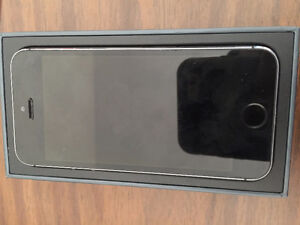 IPHONE 5S ROGERS\FIDO\CHATTER BLACK IN COLOR 16 GIG