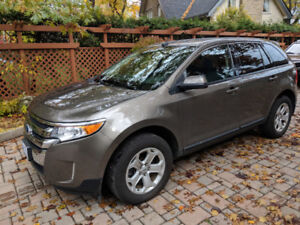 Low Km's. Well maintained, immaculate interior.FORD EDGE SEL