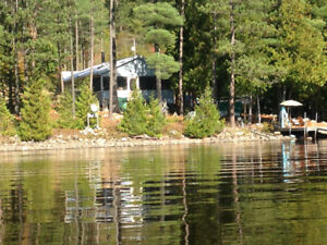 HIDDEN GEM-4 SEASON COTTAGE-LAKEFRONT- 1 HR FROM NORTH BAY