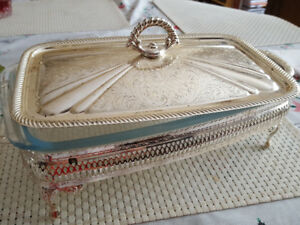 Household Items-serving tray with pyrex glass dish