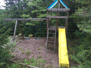 **FREE** Kids Playset ** must pick up and tear down