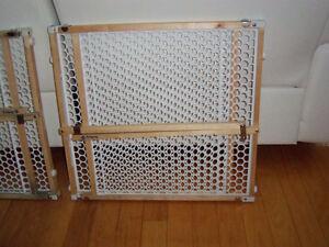 2 barrières d'escalier en bois avec grillage Saint-Hyacinthe Québec image 2
