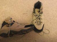 Mens hiking boots - eur43 uk9