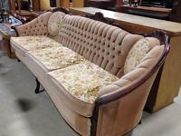 Vintage Style Couch - Beige/Floral with wooden legs - H00149