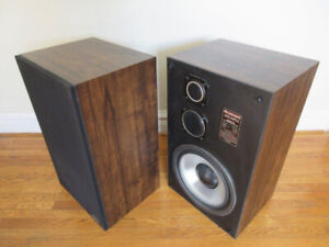 Vintage Stereo Speakers -- Working Perfectly, Nice Sound