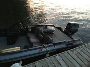 STRATOS BASS BOAT FISHING BOAT