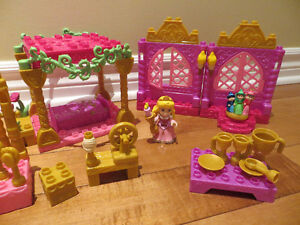 MEGA BLOKS PRINCESS BELLE AU BOIS DORMANT – 51 PCS – 3+