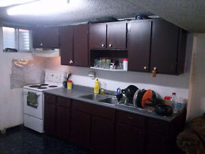 Nice rooms available near Humber College!