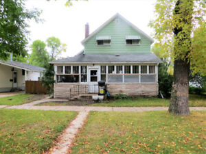 Four bedroom home in Portage la Prairie- Fixer Upper