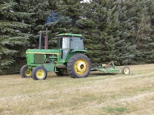 JD 4430 Tractor and JD 606 Mower