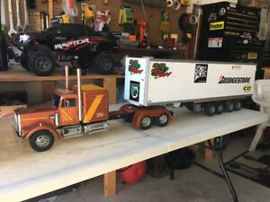 TAMIYA 1/14 SCALE TRUCK AND TRAILER